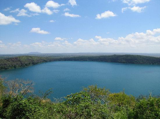 Karibu Adventures - Day tour to Lake Challa
